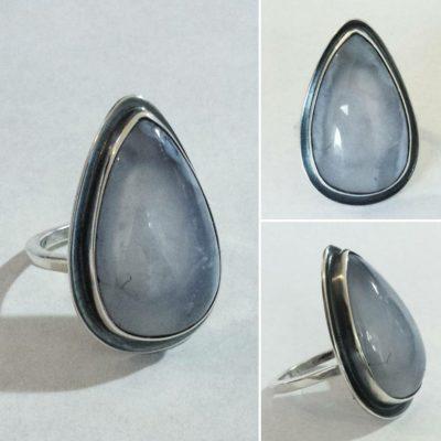 Zilveren ring met grote Larimar Edelsteen / Edelsmid Atelier Maureen Centen